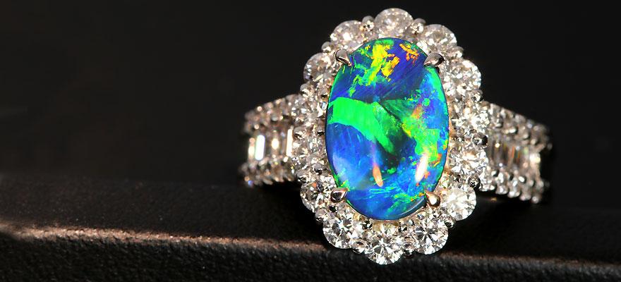 オーストラリア産ブラックオパールの宝石データ